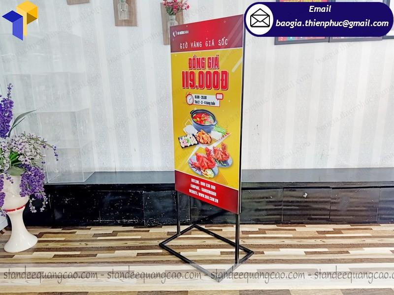 standee 2 mặt quảng cáo gà nướng giá rẻ