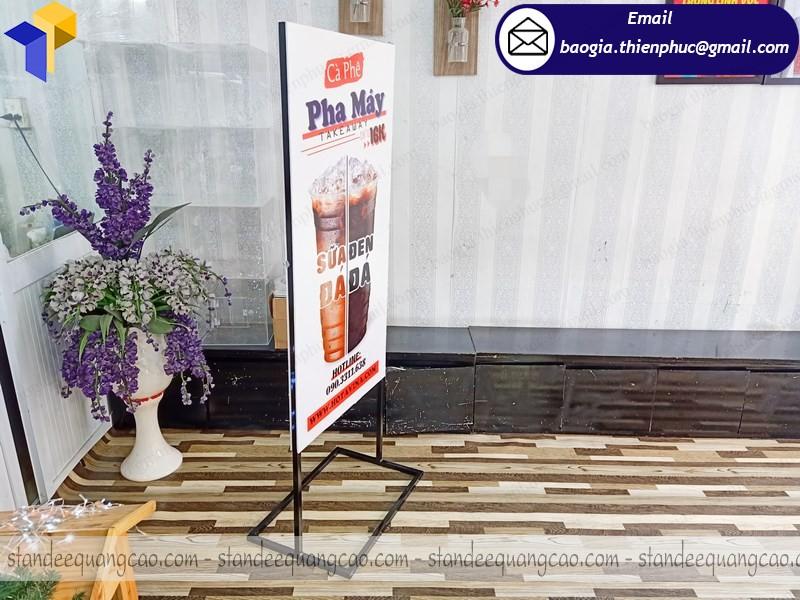 giá standee 2 mặt quảng cáo bán cà phê
