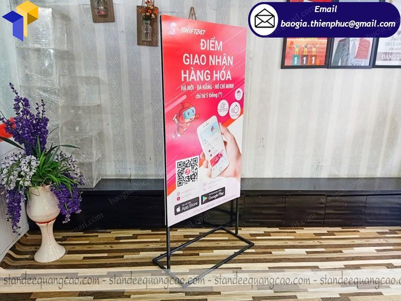 standee chữ A ốp format