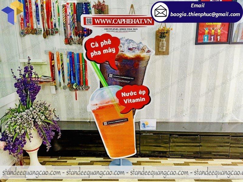 thiết kế standee mô hình ly cafe đẹp